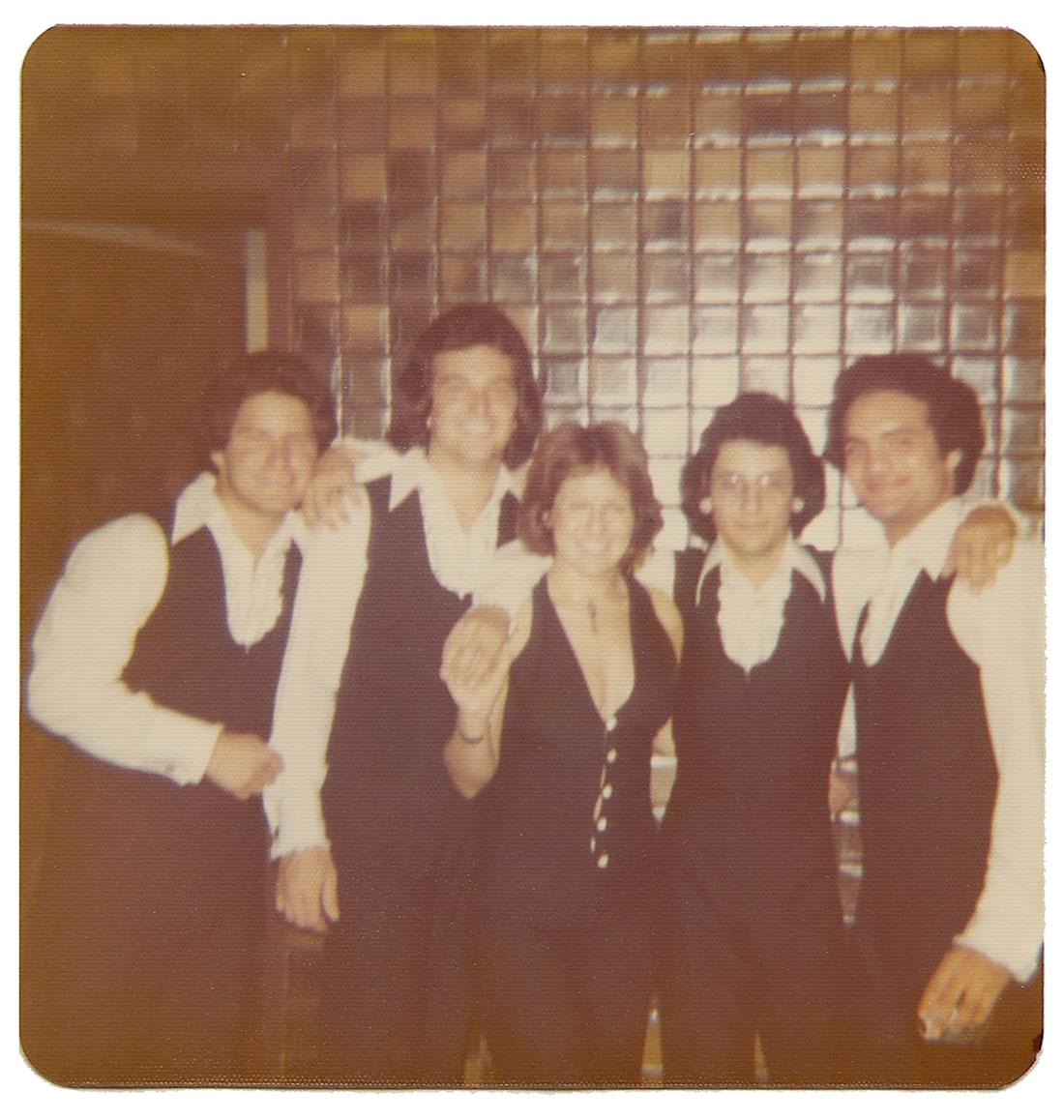 Alex Cobos, Frank Miret, Lina Argulelles, Carlos Segura and Alfredo Perez at Mr. Pip's.
